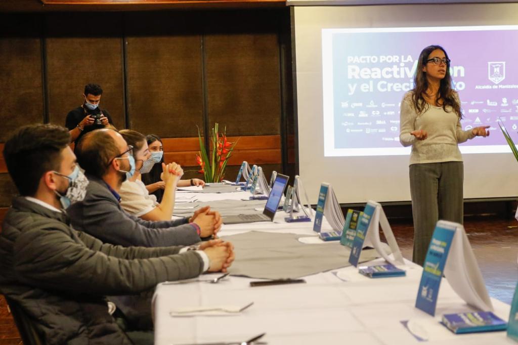 El Pacto por la Reactivación Económica de Manizales fue socializado a líderes de la comuna Universitaria