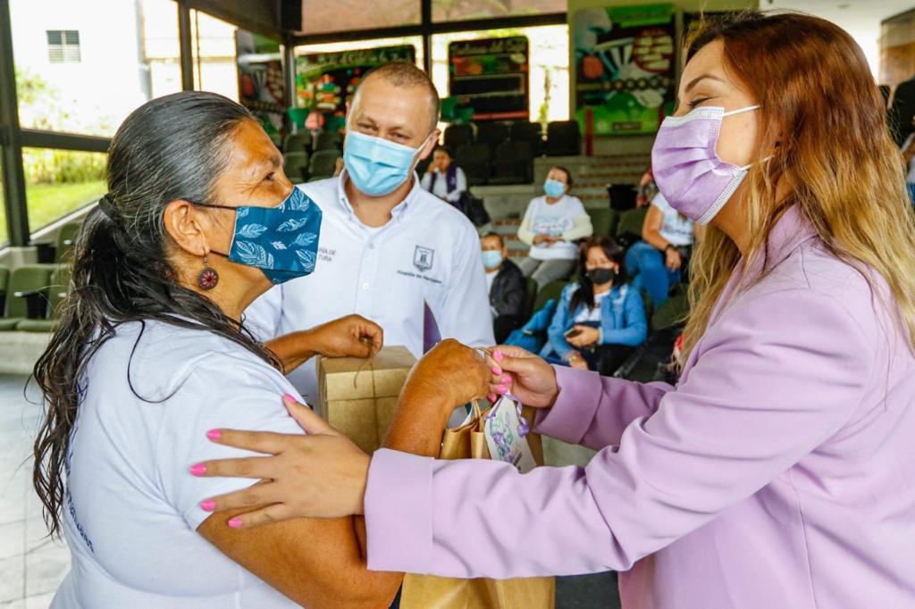 Alcalde Carlos Mario Marín Correa exaltó a la mujer rural como parte esencial de los procesos agrícolas y económicos